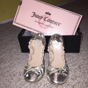 Juicy Couture Silver Flats